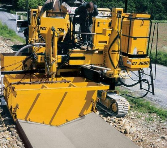 2020 Gomaco Curb paver for sale / rent