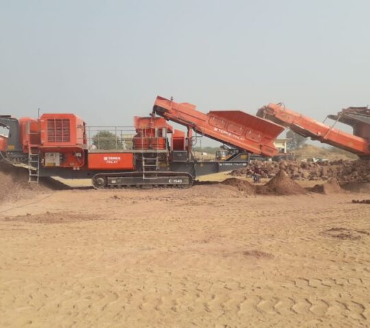 Terex Finlay 200 TPH track crusher for rent